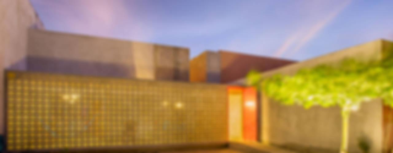 Casas modernas por TACO Taller de Arquitectura Contextual Moderno