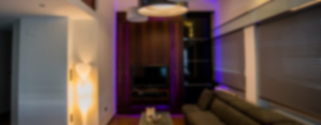 Ático Duplex, Reforma integral Salones de estilo moderno de Molina Decoración Moderno