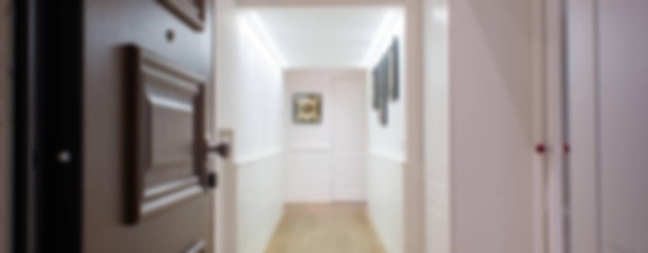 Corredores e halls de entrada  por Mario Ferrara