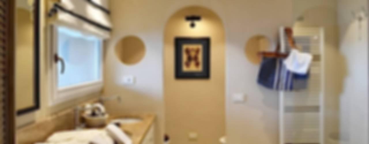 Villa La Pietra - Riviera di Levante Modern Bathroom by Studio Codebò Vergnano Modern