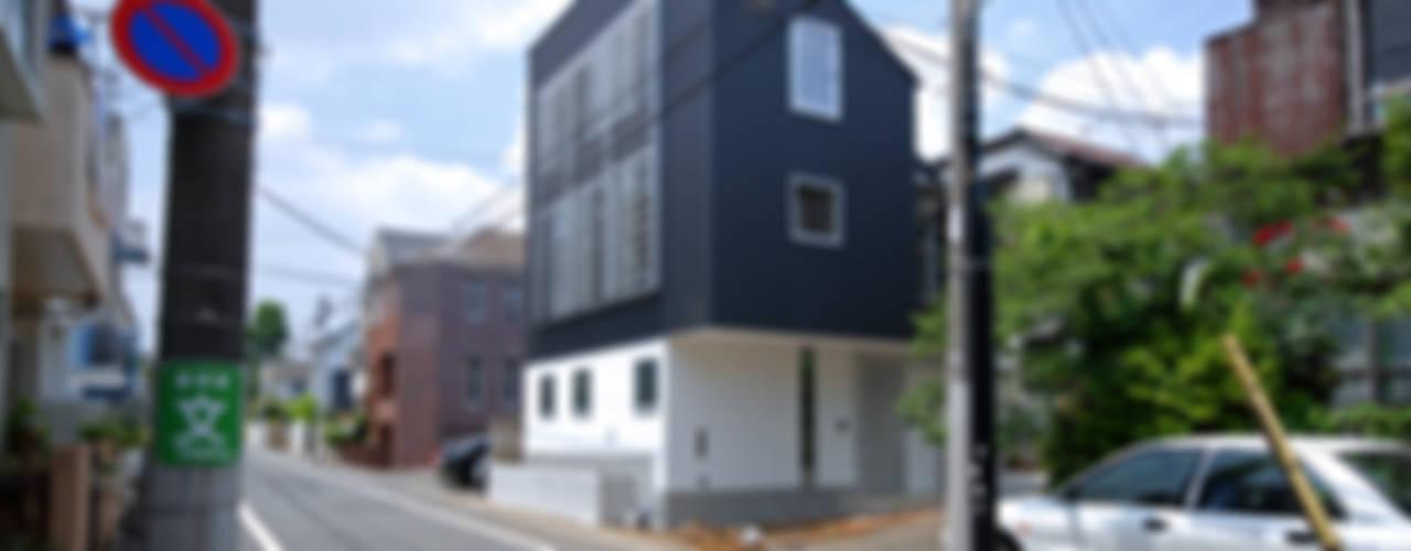 SUR都市建築事務所의  창문