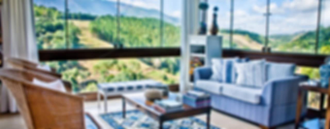 Casa na Serra . BB . Pedra Azul - ES Salas de estar campestres por Carlos Eduardo de Lacerda Arquitetura e Planejamento Campestre