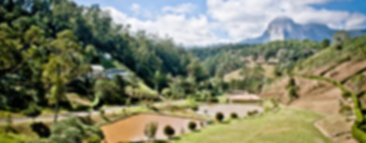 Wiejski ogród od Carlos Eduardo de Lacerda Arquitetura e Planejamento Wiejski