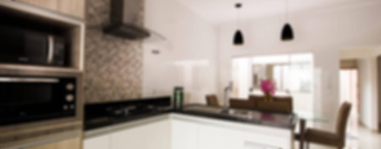 Cocinas modernas de Arch & Design Studio Moderno