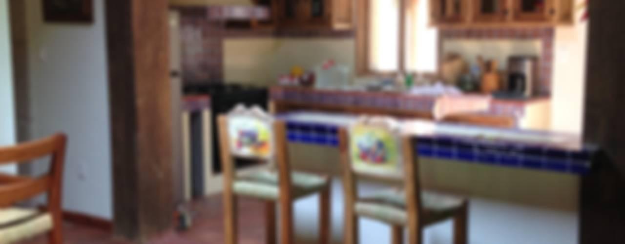 Cocinas de estilo rústico de MVarquitectos Arq. Irma Mendoza Rústico