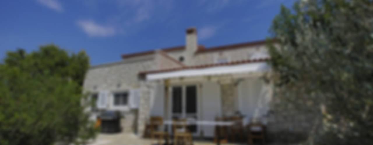 REISDERE EVİ / RESTORASYON PROJESİ Akdeniz Balkon, Veranda & Teras İBRAHİM TOPAL YAPI & MİMARLIK Akdeniz