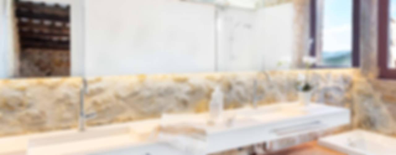 Baños de estilo rústico de TONO BAGNO | Pasión por tu baño Rústico