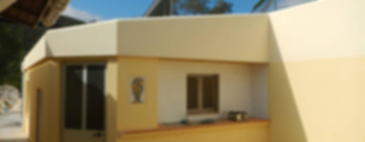Case in stile in stile Rustico di RenoBuild Algarve