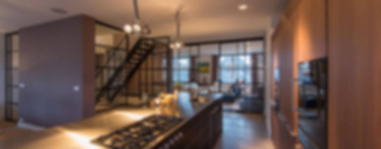 DENOLDERVLEUGELS Architects & Associates Classic style kitchen