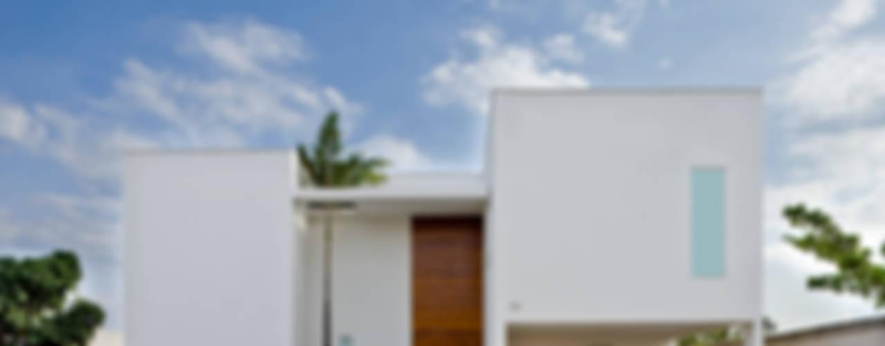 Casas de estilo  por DG Arquitetura + Design