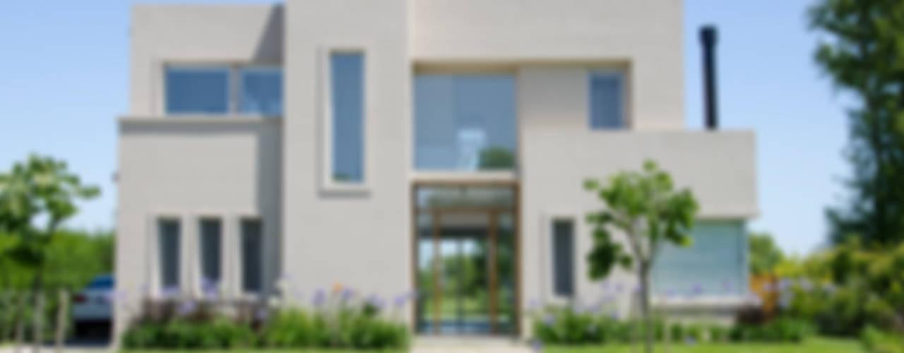 Casas de estilo  por Parrado Arquitectura, Moderno