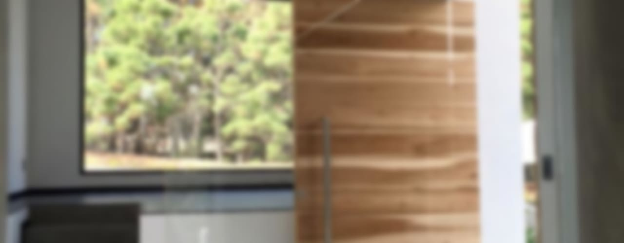 Pasillos, vestíbulos y escaleras modernos de Arki3d Moderno