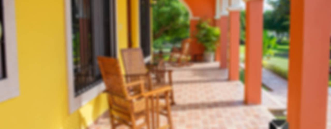 """Proyecto """"Quinta Hunucmá"""": Terrazas de estilo  por PORTO Arquitectura + Diseño de Interiores"""