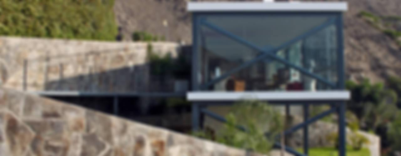 Casas modernas de NIKOLAS BRICEÑO arquitecto Moderno