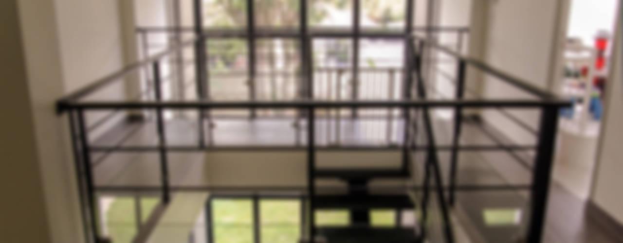 Maison Chennevières-Sur-Marne 2 Salon minimaliste par Daniel architectes Minimaliste