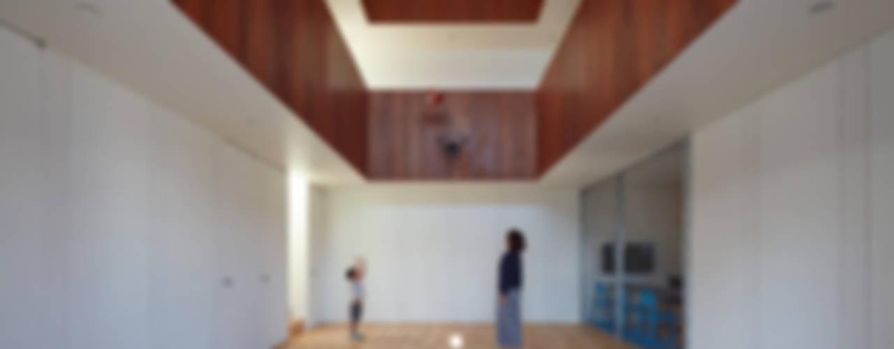 Minimalist style gym by 小泉設計室 Minimalist