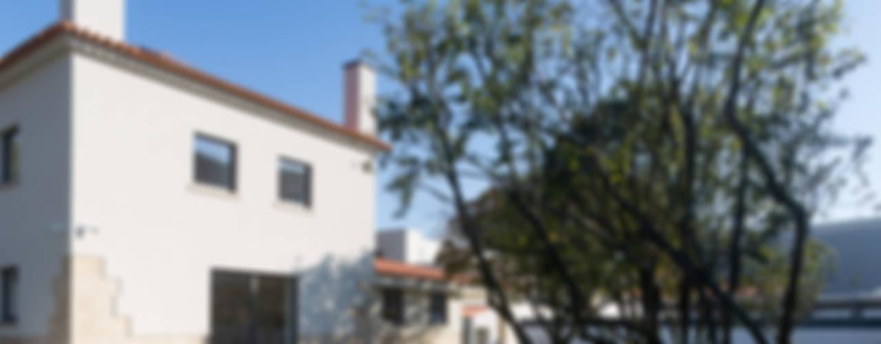 Azevedo Coutinho House Casas de estilo moderno de Diana Vieira da Silva Arquitectura e Design Moderno