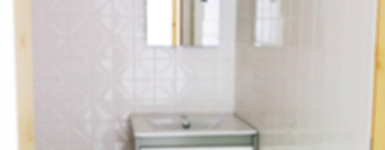 Eclectic style bathroom by GAAPE - ARQUITECTURA, PLANEAMENTO E ENGENHARIA, LDA Eclectic