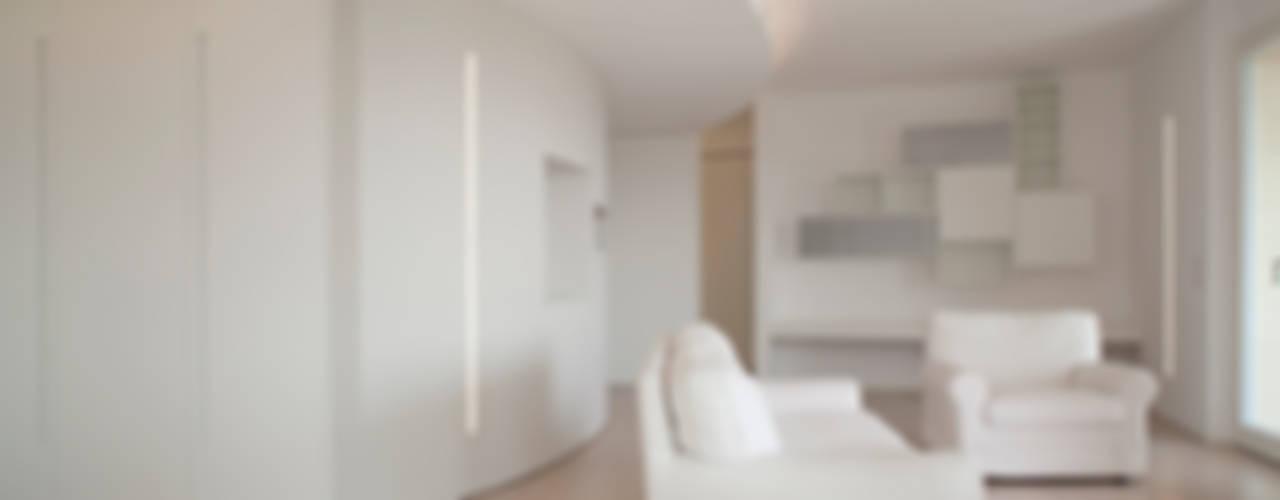 Attico Villa Lieta Soggiorno minimalista di RWA_Architetti Minimalista