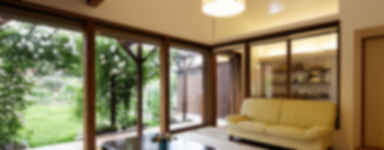 Salas / recibidores de estilo moderno por 岩川卓也アトリエ