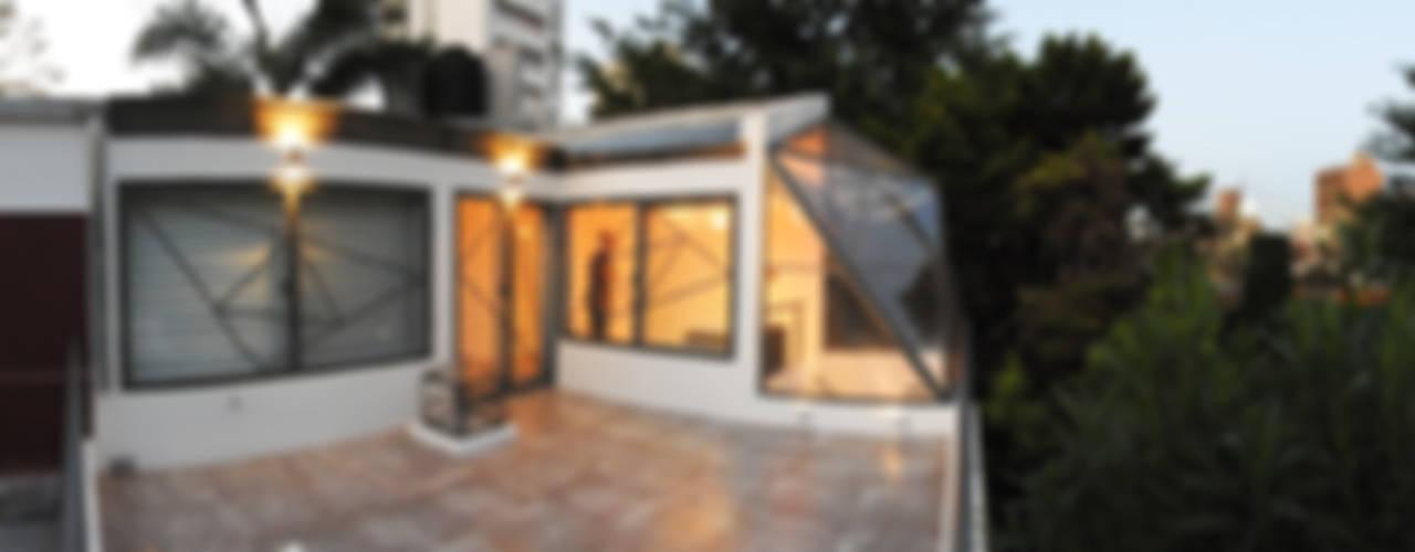 La Cúpula - 2015: Casas de estilo  por Erb Santiago