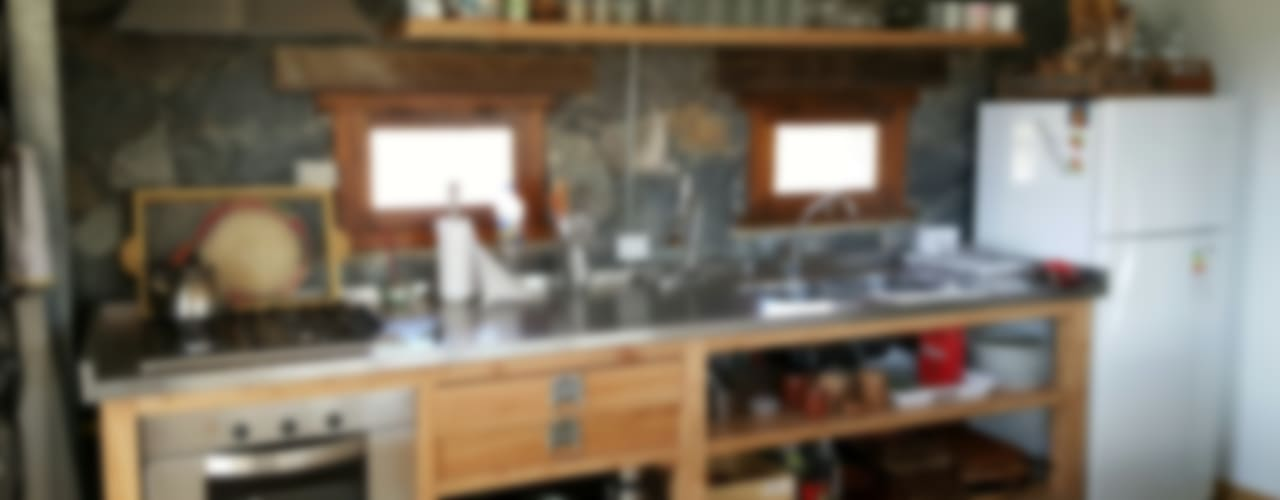 CASA DE CAMPO Cocinas escandinavas de VETA & DISEÑO Escandinavo