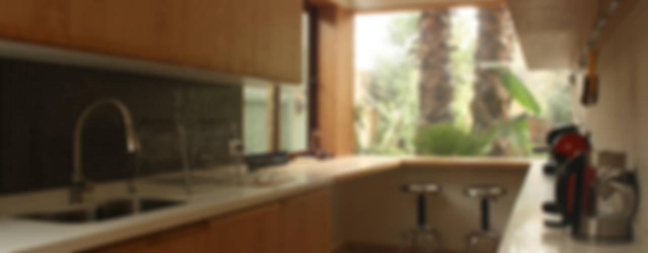 Cocinas de estilo moderno de PARQ Arquitectura Moderno