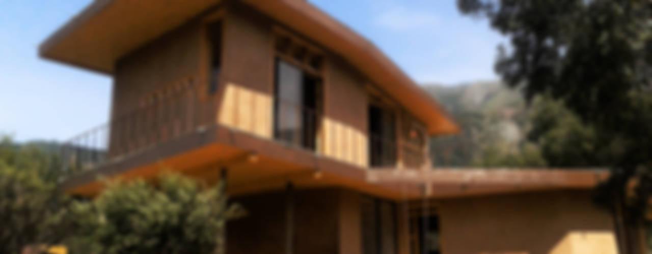 Casas unifamiliares de estilo  por ALIWEN arquitectura & construcción sustentable - Santiago,