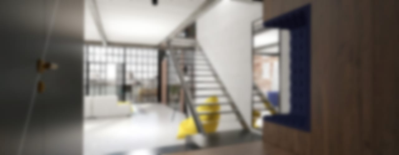 Industrial style corridor, hallway and stairs by AAW studio Industrial