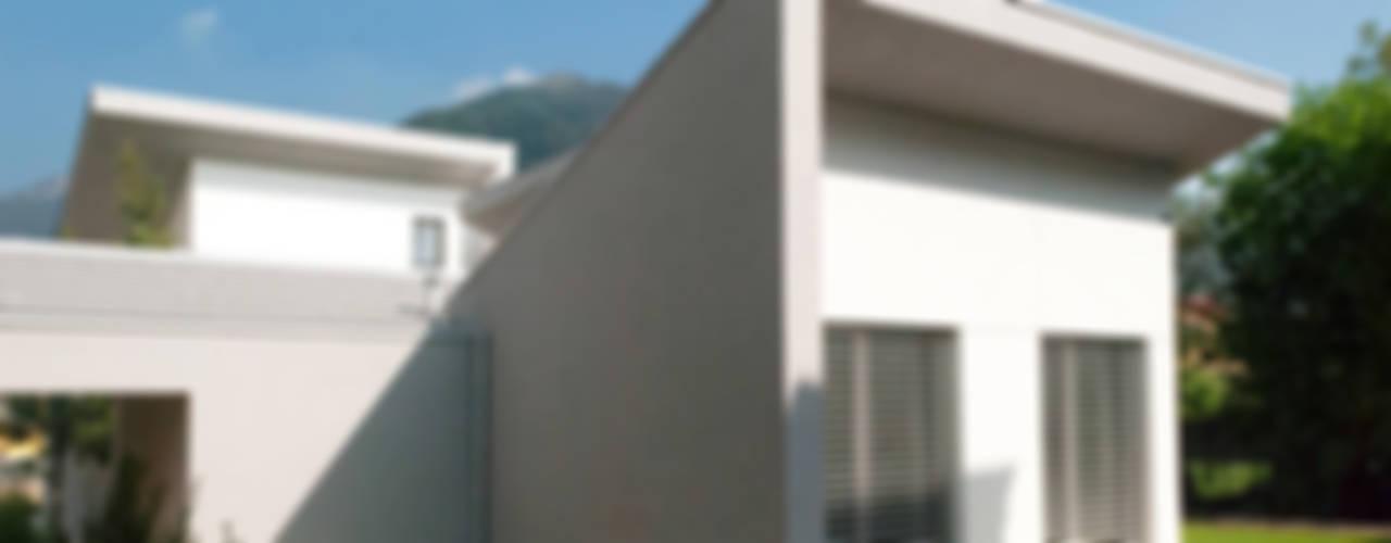 Casa moderna in legno - Albino (BG) di Marlegno Moderno