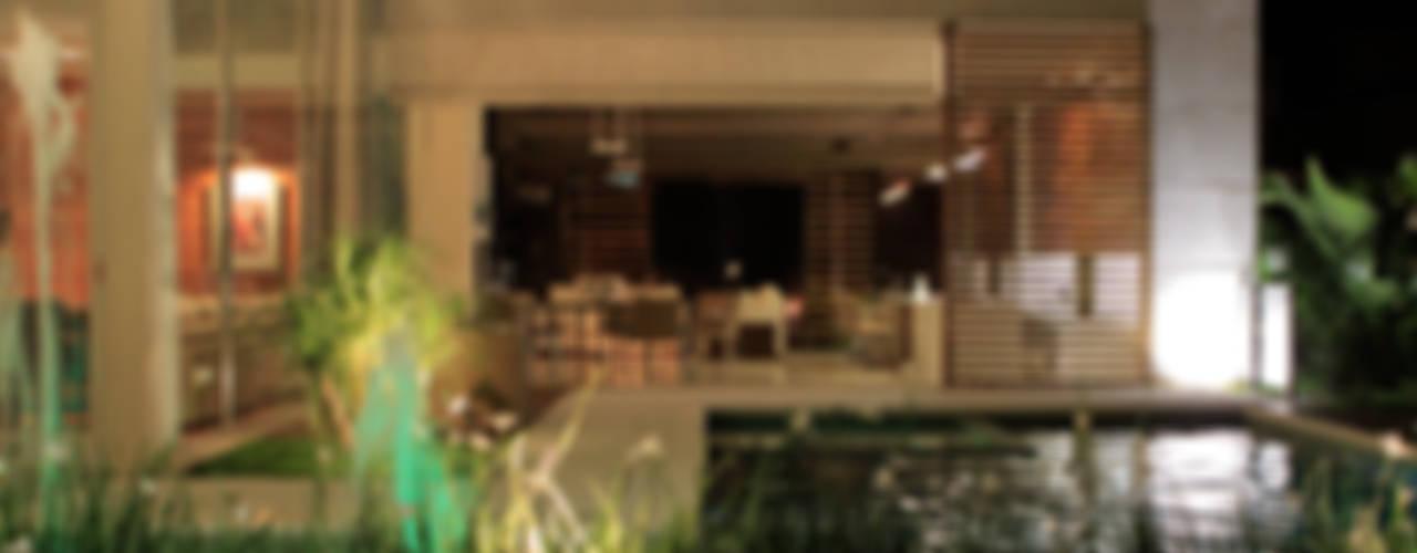 Casas modernas: Ideas, imágenes y decoración de BRAVIM ◘ RICCI ARQUITETURA Moderno