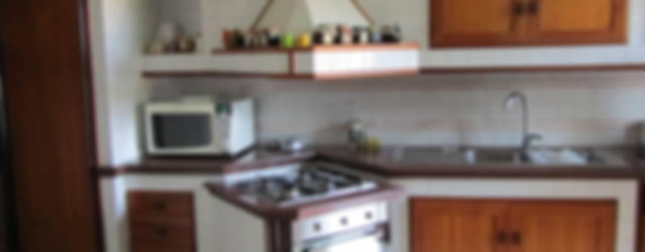 Cocinas de estilo mediterraneo por Cesario Art&Design