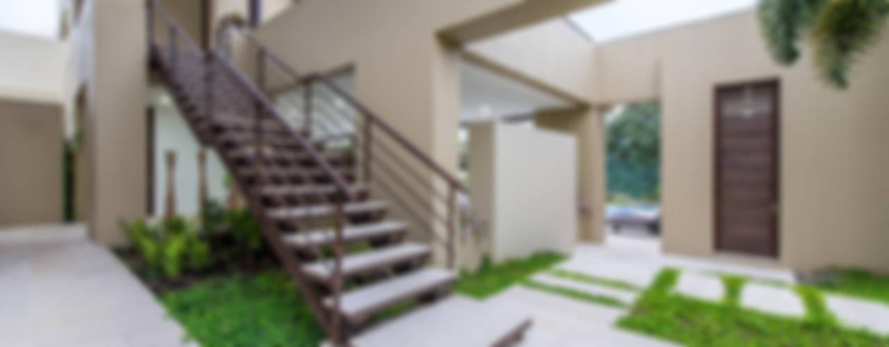 Jardines de estilo minimalista de David Macias Arquitectura & Urbanismo Minimalista