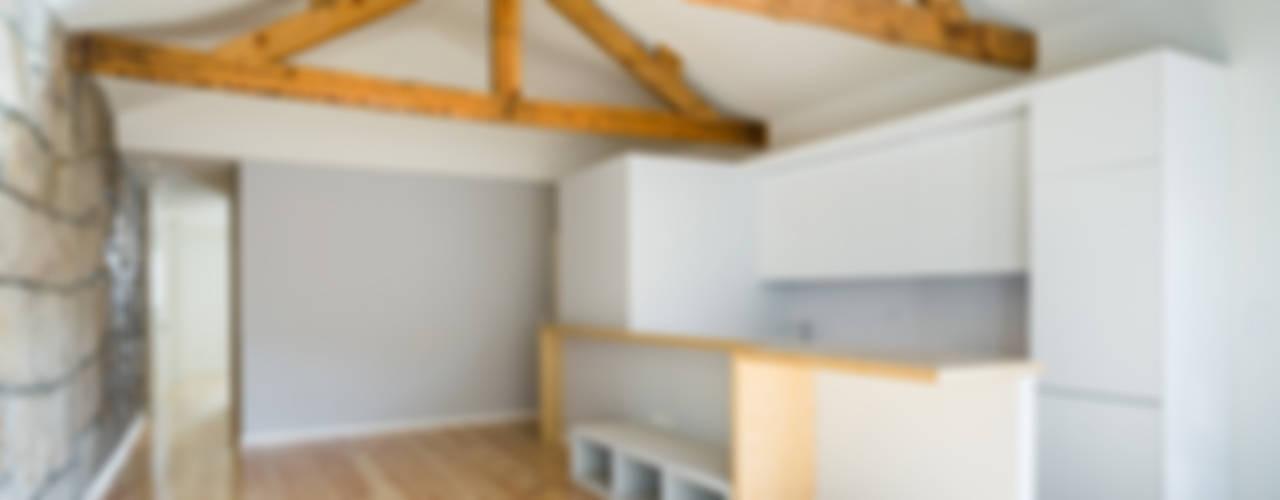 Remodelação Edifício - Rua das Taipas Salas de estar modernas por XYZ Arquitectos Associados Moderno