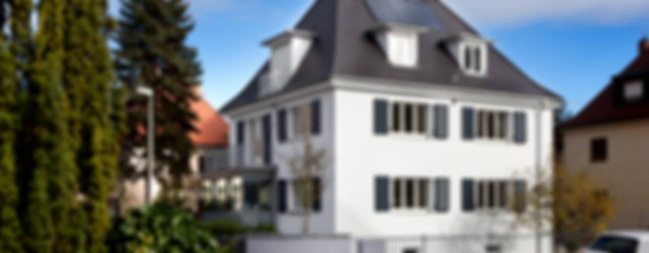 Nowoczesne domy od Klaus Geyer Elektrotechnik Nowoczesny