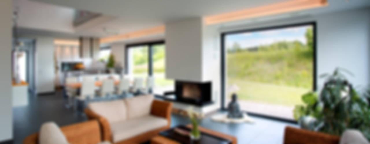 mediterranean Living room by Klaus Geyer Elektrotechnik