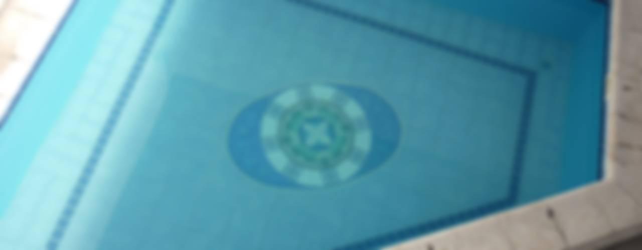 Mandala para fondo de piscina: Piletas de estilo  por Mosa Y Quito