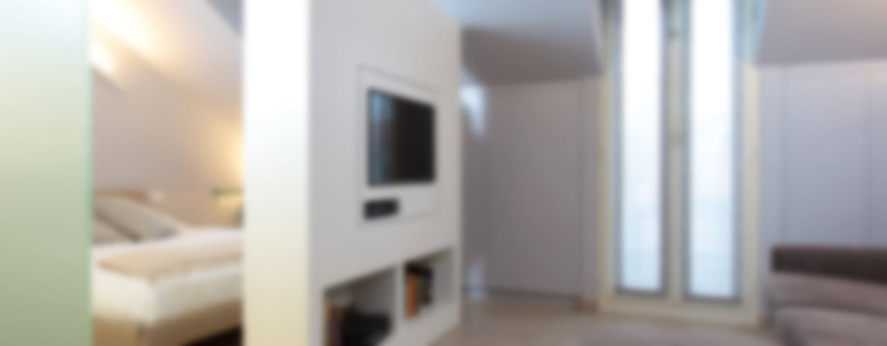 Salas de estilo minimalista de architetto roberta castelli Minimalista