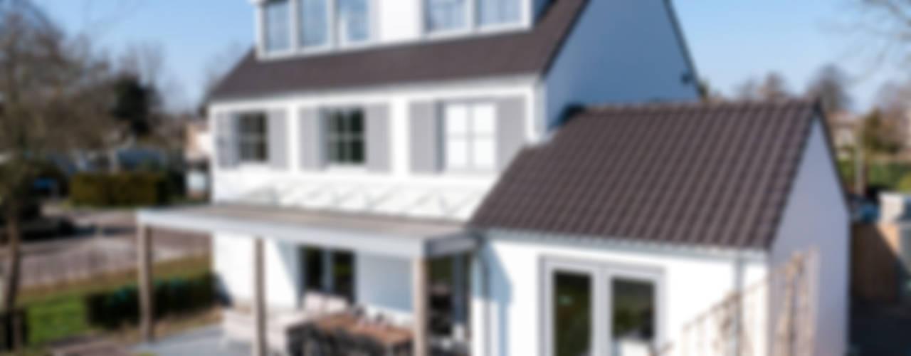 Projekty,  Domy zaprojektowane przez Bas Suurmond Fotografie,