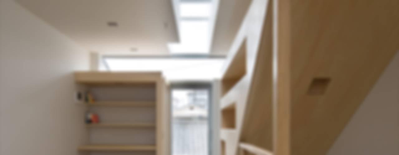 走廊 & 玄關 by 藤原・室 建築設計事務所, 現代風
