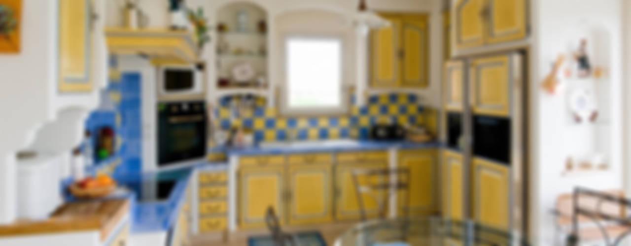 Cocinas de estilo mediterraneo por Pierre Bernard Création