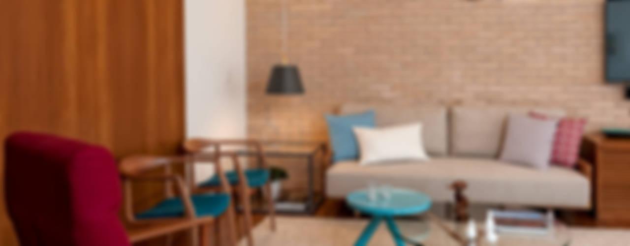 Livings de estilo  por Ambienta Arquitetura