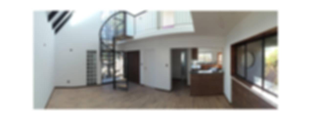 Casa Neff: Livings de estilo  por Herman Araya Arquitecto y constructor