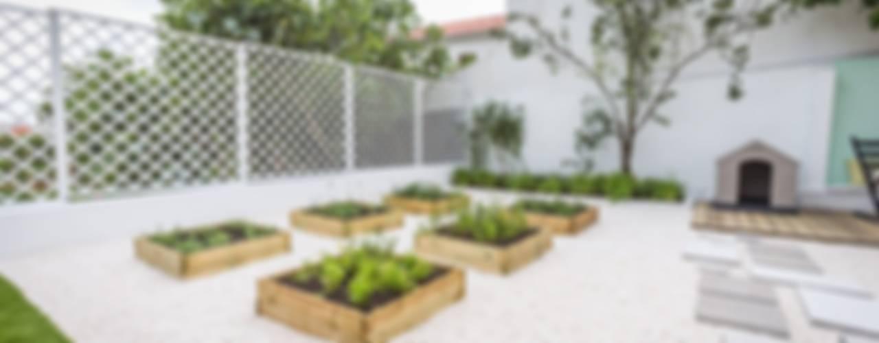 Scandinavian style garden by homify Scandinavian