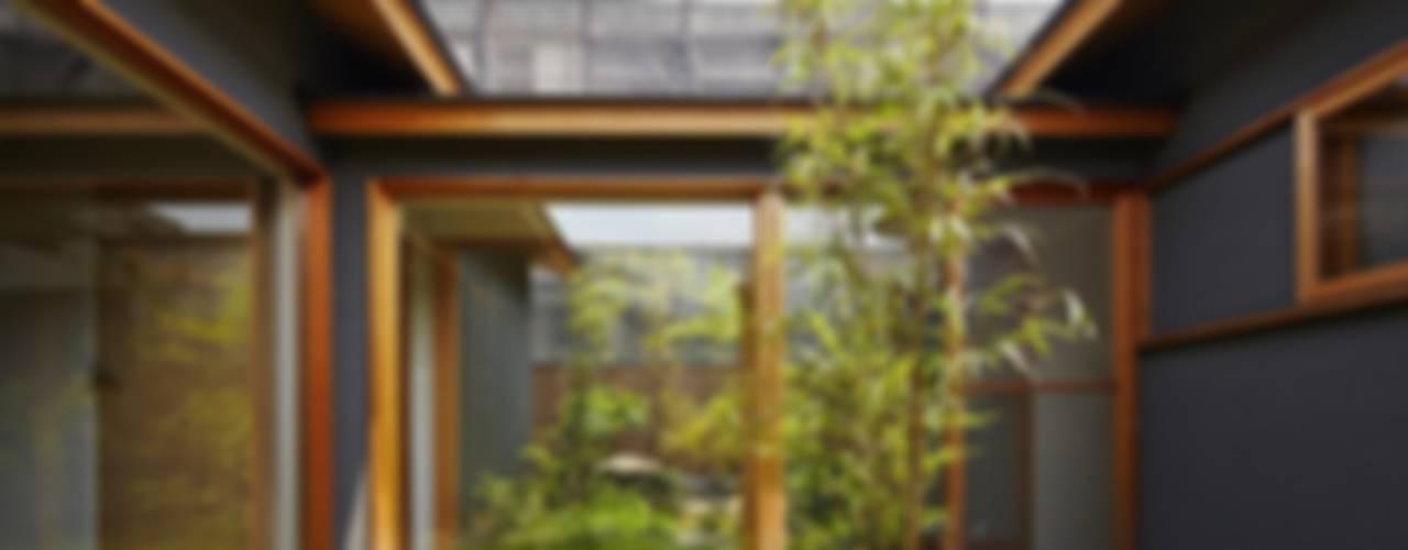 Moderne huizen van 一級建築士事務所 こより Modern