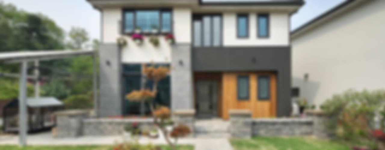 Projekty, azjatyckie Domy zaprojektowane przez 윤성하우징