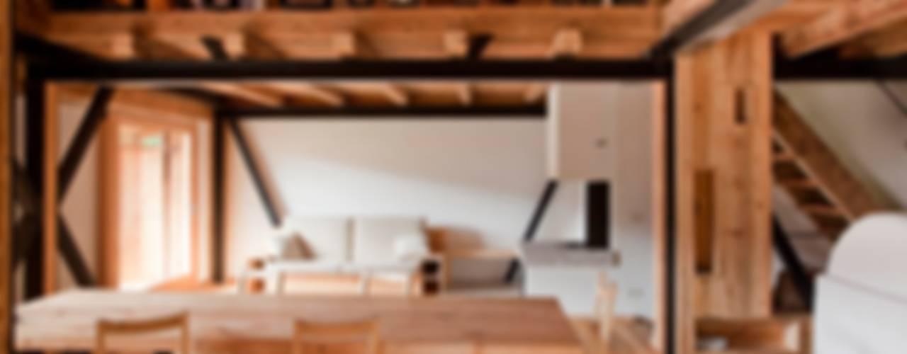ALDENA Rustic style dining room Wood Wood effect