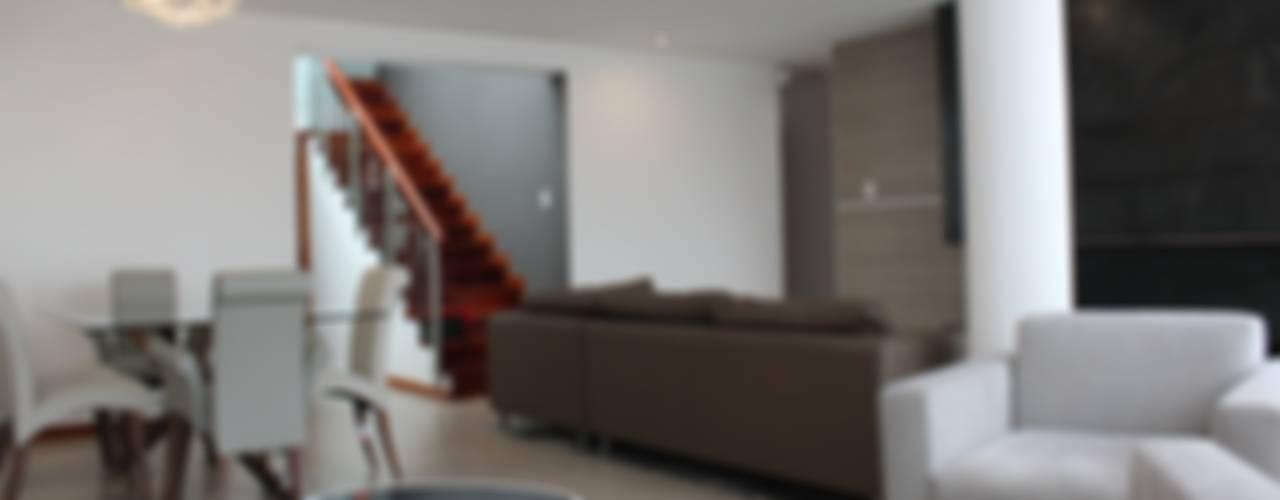 Salones minimalistas de Soluciones Técnicas y de Arquitectura Minimalista