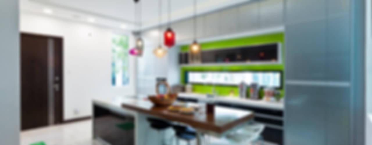 Modern kitchen by Design Spirits Modern