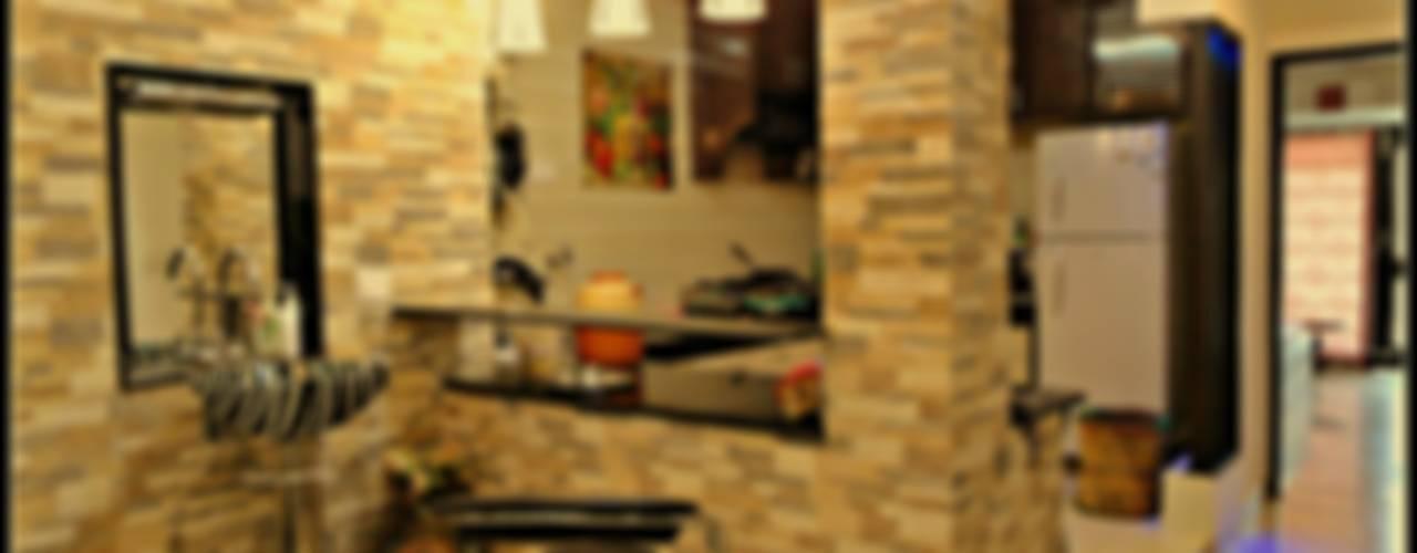 Gupta's Residence - New delhi: asian  by Mehak Lochan Design,Asian